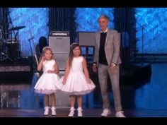 ▶ Sophia Grace & Rosie Perform 'Can't Hold Us' by MACKLEMORE & RYAN LEWIS - YouTube