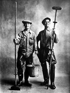 Irving PENN :: Lorry Washers, London, 1950 | The Art Institute of Chicago