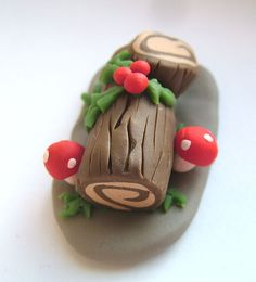 I love the kitschy awesomeness of the Yule Log, and even more so as a cake. Also known as Buche de Noel. Pagan Christmas, Christmas Fairy, Miniature Christmas, Winter Christmas, Christmas Time, Christmas Crafts, Yule Crafts, Christmas Deco, Winter Holidays