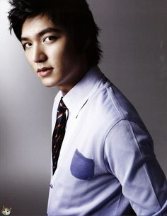 This was like one of the first Lee Min ho pics I saw when I googled him after watching BOF....wow.