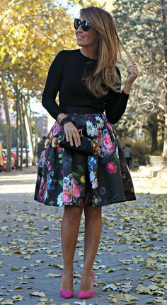 Con dos tacones, pink shoes always give colour to your outfit Mode Outfits, Skirt Outfits, Fashion Outfits, Womens Fashion, Stylish Outfits, Ted Baker Skirts, Ted Baker Dress, Spring Summer Fashion, Autumn Fashion