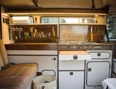 257 vind-ik-leuks, 30 reacties - Chris Barnes (@cbarnacle) op Instagram: 'Westfalia kitchen 2.0 '