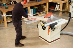 A table saw is one of the most important machines in the workshop. So make sure you get the right one for you with the help of our handy guide.