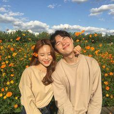 save = follow #NOT_SAVE_FREE Korean Best Friends, Boy And Girl Best Friends, Aesthetic Korea, Couple Aesthetic, Cute Couple Art, Best Couple, Best Friend Pictures, Couple Pictures, Cute Couples Goals