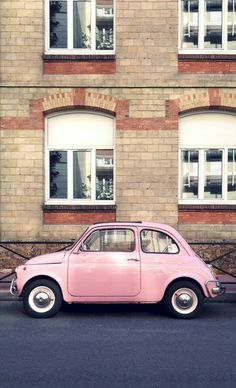♥ Typical vintage pink car