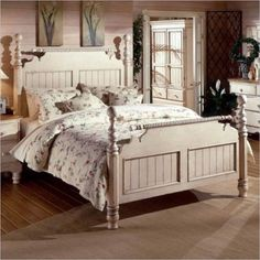 Hillsdale Wilshire Poster Bed in Antique White Finish-Queen