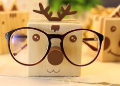 Cartoon Wooden Pen Holder With Eyeglasses Holder Pen Holder Diy, Wooden Pen Holder, Simple Gifts, Easy Gifts, Homemade Gifts, Wooden Gifts, Wooden Diy, Eyeglass Holder Stand, Store Window Displays