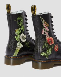 1490 WILD BOTANICS | 1490 (10 Eye Boots) | Dr. Martens Official