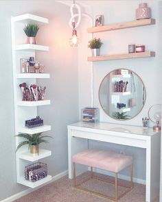 8 Effortless DIY Ideas To Organize Makeup According To Your .- 8 Effortless DIY Ideas To Organize Makeup According To Your Personality Type. M… 8 Effortless DIY Ideas To Organize Makeup According To Your Personality Type. My New Room, My Room, Room Art, Cute Room Decor, Small Room Decor, Diy Beauty Room Decor, Small Corner Decor, Girl Room Decor, Corner Wall Decor