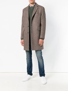 Brown cotton and virgin wool single-breasted fitted coat from Closed featuring classic lapels, a button fastening, long sleeves, fitted cuffs, side pockets and a mid-length. Man Cold, Coat Patterns, Single Breasted, Red Carpet, Normcore, Blazer, Wool, Long Sleeve, Fitness