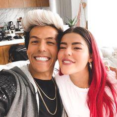 Los Pepes, Hair Color Streaks, Zendaya Style, Photos Tumblr, Fan, Poses, Instagram, Cute, Fashion