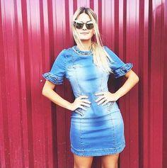 O jeans sempre na moda ganha força nesse vestido cheio de detalhes! É fashion! É Monami! Enviamos para todo o Brasil  Informações pelo (62) 8555-3020 Visite nossa loja física e veja quantas roupas lindas aguardam por você! #monamiboutique #moda #modafeminina #tendência #style #fashion #musthave #coleçãodeinverno #inverno2016 #correpracá #fashionurban #sempremonami #acessórios #novacoleção #lookslindos #temqueter #preçosótimos #galeria1 #setoroeste #goiânia #lenços #jeans #modajovem by…