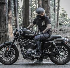 Harley Roadster, Harley Davidson Roadster, Harley Davidson Sportster, Sportster 883, Retro Motorcycle, Motorcycle Travel, Cafe Racer Motorcycle, Bike Bmw, Cafe Bike