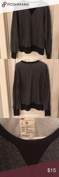 Gap Men's Gray & Black Sweat Shirt Gap Men's size M gray & black sweat shirt. Almost new condition. GAP Sweaters Crewneck