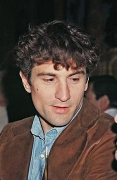 YES, it's young Robert De Niro.