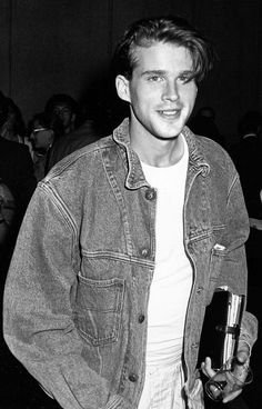 elwesapleasure:  Cary Elwes attending The Film Society of Lincoln Center Presents the American Premiers 'Jean de Florette' and 'Manon des sources' at Lincoln Center in New York City, New York (June 22, 1987)