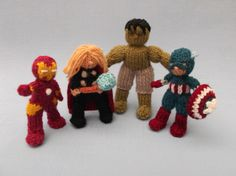 Knitted heros