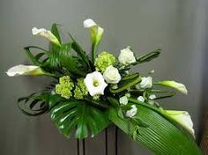 Funeral Casket Flower Spray Montreal Florist Abaca flowers for urn and ca. Funeral Casket F Contemporary Flower Arrangements, Tropical Flower Arrangements, Funeral Flower Arrangements, Beautiful Flower Arrangements, Funeral Flowers, Casket Flowers, Altar Flowers, Deco Floral, Arte Floral