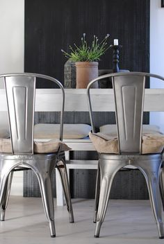 Wondrous 23 Best Farmhouse Tables Paired With Modern Chairs Images Squirreltailoven Fun Painted Chair Ideas Images Squirreltailovenorg