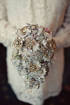 Bridal Style: Debbie Carlisle's Vintage Brooch Bouquets in Partnership with Crystal Bridal Accessories