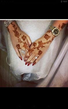 Pin For Trend Presented Unique Mehandi Designs You Should Love To Try - Mehandi Designs 2019 (Best Mehandi Designs You Must Try on This Eid) Henna Designs Feet, Arabic Henna Designs, Stylish Mehndi Designs, Mehndi Design Photos, Henna Designs Easy, Beautiful Mehndi Design, Best Mehndi Designs, Bridal Mehndi Designs, Henna Tattoo Designs