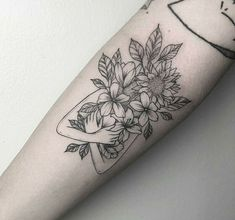 Lieben Sie den Blattstil auf diesem – Krystel Turlet Love the leaf style on this – Krystel Turlet – – Love the leaf style on this – Krystel Turlet Mini Tattoos, Head Tattoos, Flower Tattoos, Body Art Tattoos, Small Tattoos, Sleeve Tattoos, Tatoos, Tattoo Avant Bras, Tattoos Realistic