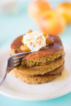 Flourless Apple Pie Pancakes are made with ground oats, filled with delicious caramelised apples and so healthy!