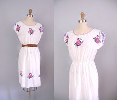 s a l e 1970s Dress / 70s Floral by wildfellhallvintage on Etsy, $38.00
