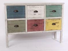 Os enseñamos cosas que hemos tenido, o tenemos en VYP, como este mueble, que es una encantadora cajonera rústica con 6 cajones de colores decapados, estilo vintage.  Medidas 113x34x80 cm.