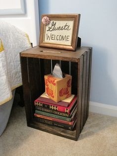 DIY Nightstand Crates: Crates DIY Nightstand With Tissue Box – Bloombety PERFECT! Cheap crates are at walmart. Home Decor Hacks, Diy Home Decor, Decorating Hacks, Crate Nightstand, Bedside Tables, Small Nightstand, Nightstand Ideas, Style Deco, Wood Crates