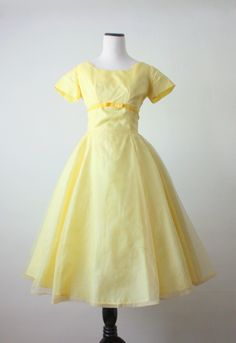 1950s dress...so beautiful...I can imagine one of my Aunts wearing this!
