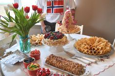 A Nordic celebration. Norway National Day, Norwegian Food, Public Holidays, Salmon Fishing, Holiday Fun, Scandinavian, Random Stuff, Food Ideas, Foods