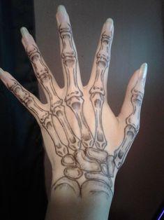 Skeleton Hands Drawing, Skeleton Hand Tattoo, Bone Hand Tattoo, Simple Hand Tattoos, Small Tattoos, Cool Tattoos, Pen Tattoo, Nail Tattoo, Scary Clown Drawing