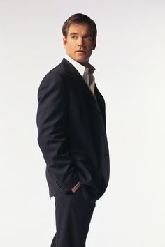 """Season 1 - Promo - Michael Weatherly as Anthony """"Tony"""" DiNozzo, Jr."""