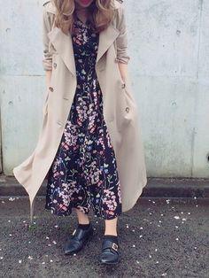 . .  花柄ガウンは ワンピースで着るほうが好き👍🏻✨ #360600050155671 まだまだ人気です❣️ . #UNRELISH#today#fashion#coordinate#outd#outfit#花柄ガウン#onepiece Khaki Coat, Trending Now, Winter Outfits, Duster Coat, Girly, Textiles, One Piece, Street Style