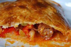 Empanada de Chorizo - Spanish Recipes by Núria Spanish Cuisine, Spanish Dishes, Spanish Food, Spanish Recipes, Spanish Empanadas Recipe, Sweet Empanadas Recipe, Chorizo, English Food, Different Recipes