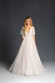 Dresses Blush by Hayley Paige Spring 2020 Wedding Dress Collection All Natural, Chemical Free At Hom Wedding Dresses Plus Size, New Wedding Dresses, Boho Wedding Dress, Hailey Page Wedding Dress, Mermaid Wedding, Gown Wedding, Hayley Paige Wedding Dresses, Different Wedding Dress Styles, Lace Wedding