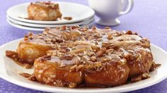 Fresh-baked caramel rolls in just 35 minutes. What are you waiting for? Fresh-baked caramel rolls in just 35 minutes. What are you waiting for? Delicious Desserts, Dessert Recipes, Yummy Food, Breakfast Recipes, Breakfast Ideas, Breakfast Time, Brunch Recipes, Bread Recipes, Yummy Treats