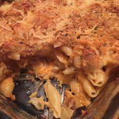 Bacon Mac and cheese// cracker crust #arancini #riceballs #traditional AND #nonTraditional #homemade #handmade #freshtoOrder #madeWithLove #queens #statenisland #foodie #foodporn #goodeats #nom #italianfood #delicious #truffles #leahsitalianapples #sicilian #deepfried #goldenbrown #notyourNonnas #reinventingRiceballs #supportLocalBusiness #cheesy #eeeeeats #catering #foodilysm