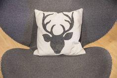 Textil und Deko - Trixl Einrichtung Textiles, Throw Pillows, Deco, Cushions, Decorative Pillows, Decor Pillows, Pillows, Scatter Cushions, Fabrics