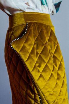 Купить Утепленная юбка из стеганого бархата - золотая рыбка, золотая юбка, бархатная юбка