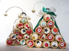 Alberi di Natale con tappi di sughero Cork Christmas Trees, Diy Christmas, Christmas Ornaments, Corks, Origami, Diy And Crafts, Crafty, Couture, Ring