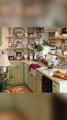 Cocina Shabby Chic, Shabby Chic Kitchen, Farmhouse Kitchen Decor, Vintage Kitchen, French Country Kitchen Decor, Romantic Kitchen, Cottage Kitchen Cabinets, Fall Kitchen Decor, Rustic Country Kitchens