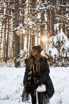 27 FEB, 2018 Our Winter Adventure - Outfit Details: Triple Fat Goose Parka Storets Choker Sweatshirt Gucci Marmont Mini Bag Blank Denim Vegan Leather Pants Sorel Tofino Boots Saint Laurent Sunglasses Similar Pom Pom Beanie Burberry Reversible Cape/Scarf Winter Mode Outfits, Winter Fashion Outfits, Snow Fashion, Poses For Pictures, Winter Pictures, Forest Fashion, Shotting Photo, Winter Instagram, Poses Photo