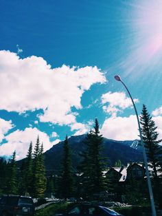 Rocky Mountains. #redlipcrew #travel #tourism #canmore #sky #beautiful #sun #nature #clouds #mountains