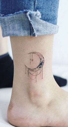 Magical Moon Tattoo Designs You Don't Want To Miss – SooShell – foot tattoos for women quotes Line Art Tattoos, Mini Tattoos, Body Art Tattoos, Small Tattoos, Thigh Tattoos, Tattoo Art, Tattoo Quotes, Foot Tattoos For Women, Shoulder Tattoos For Women
