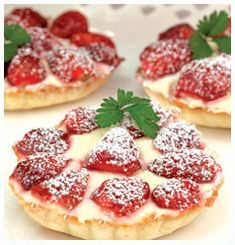 Huletts recipe for Summer Tarts, flaky pastry tartlets with strawberries on top. Flaky Pastry, Tart Pan, South African Recipes, Fresh Cream, Cottage Cheese, Kitchen Recipes, Summer Recipes, A Food, Sweet Tooth