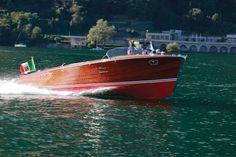 Buy this rare Cadillac-powered Riva. The classiest Italian boat with an American engine you'll see today. Free Boat Plans, Wood Boat Plans, Boat Building Plans, Cadillac, Riva Boat, Flat Bottom Boats, Chris Craft Boats, Runabout Boat, Vintage Boats