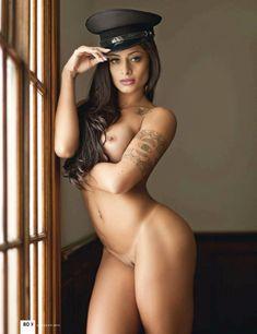 Noticías | Ela é o verão! Aline Riscato sensualiza em ensaio com fotos quentes…