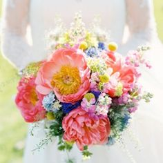 20 Beautiful Bridal Bouquets for the Loving Bride wedding colors september / fall color wedding ideas / color schemes wedding summer / wedding in september / wedding fall colors Bridal Flowers, Flower Bouquet Wedding, Floral Wedding, Wedding Colors, Bridal Bouquets, Rustic Wedding, Wedding Country, Rose Wedding, Purple Wedding